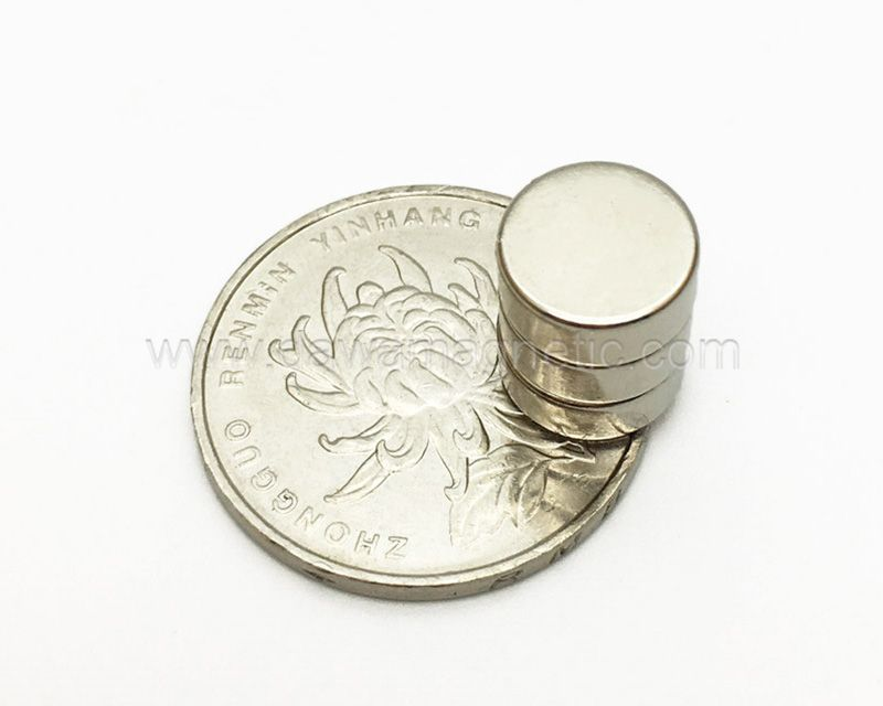 Round/Disc Sintered NdFeb Mini Magnet N35 N52 Neodymium Permanent Magnet