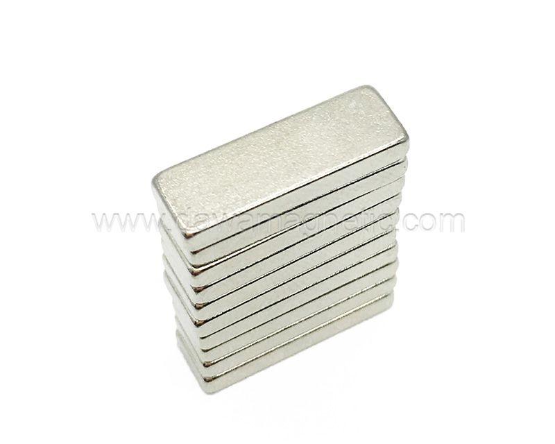 Permanent Magnets Rubber Magnet Pieces Flexible Rubber Magnet